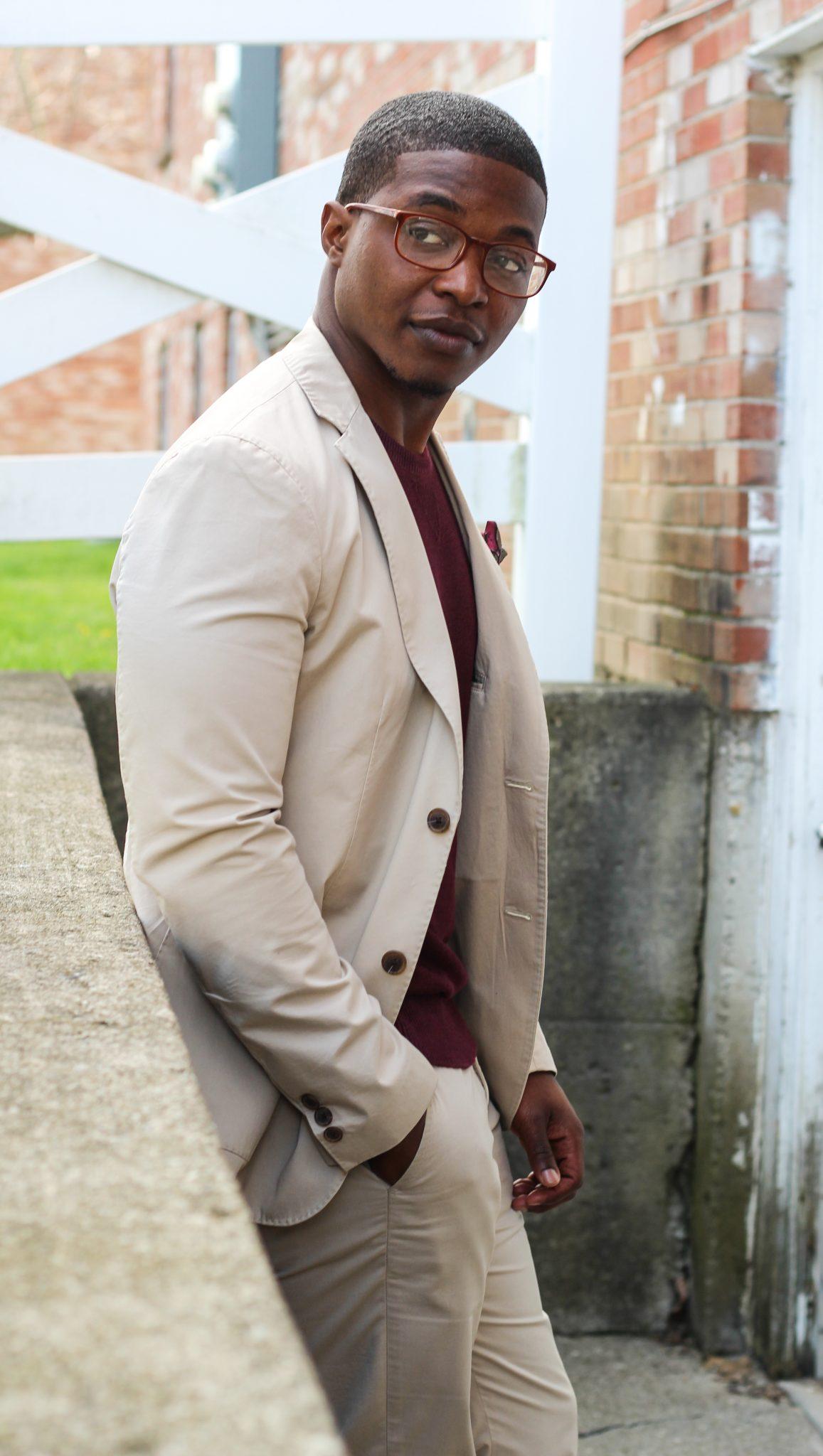 dapper-advisor-black-man-wearing-uniqlo-khaki cotton suit-burgundy-shirt