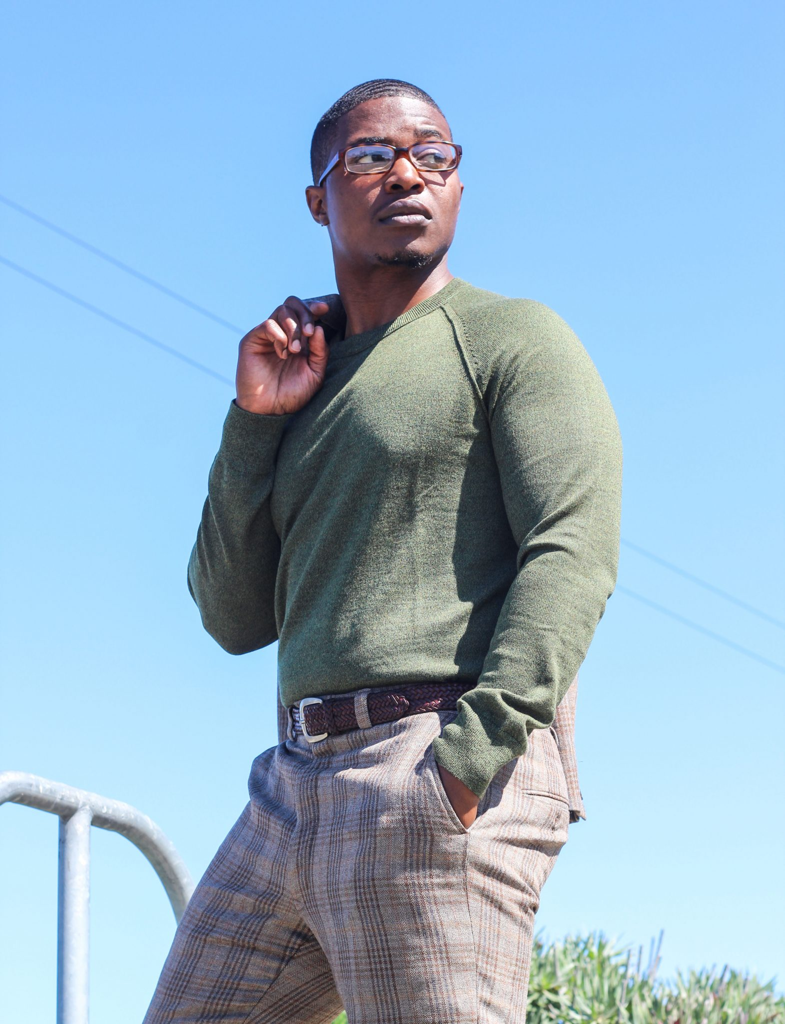dapper-advisor-black-man-wearing-olive-green-crew-neck-sweater-banana-republic-5