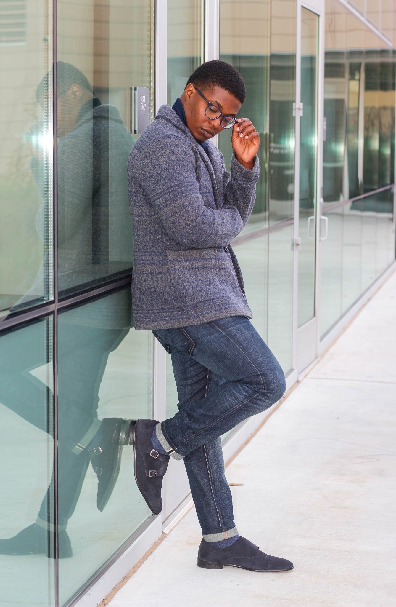 Dapper-Advisor-Akil-McLeod-African-American-man-smiling-menswear-Sweater-Blazer-Banana-Republic-eyebuydirect