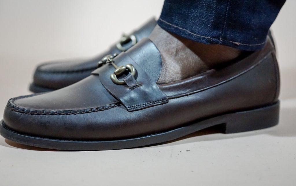 christmas-dapper-advisor-black-man-sebago-brown-heritage-bit-loafers-jeans
