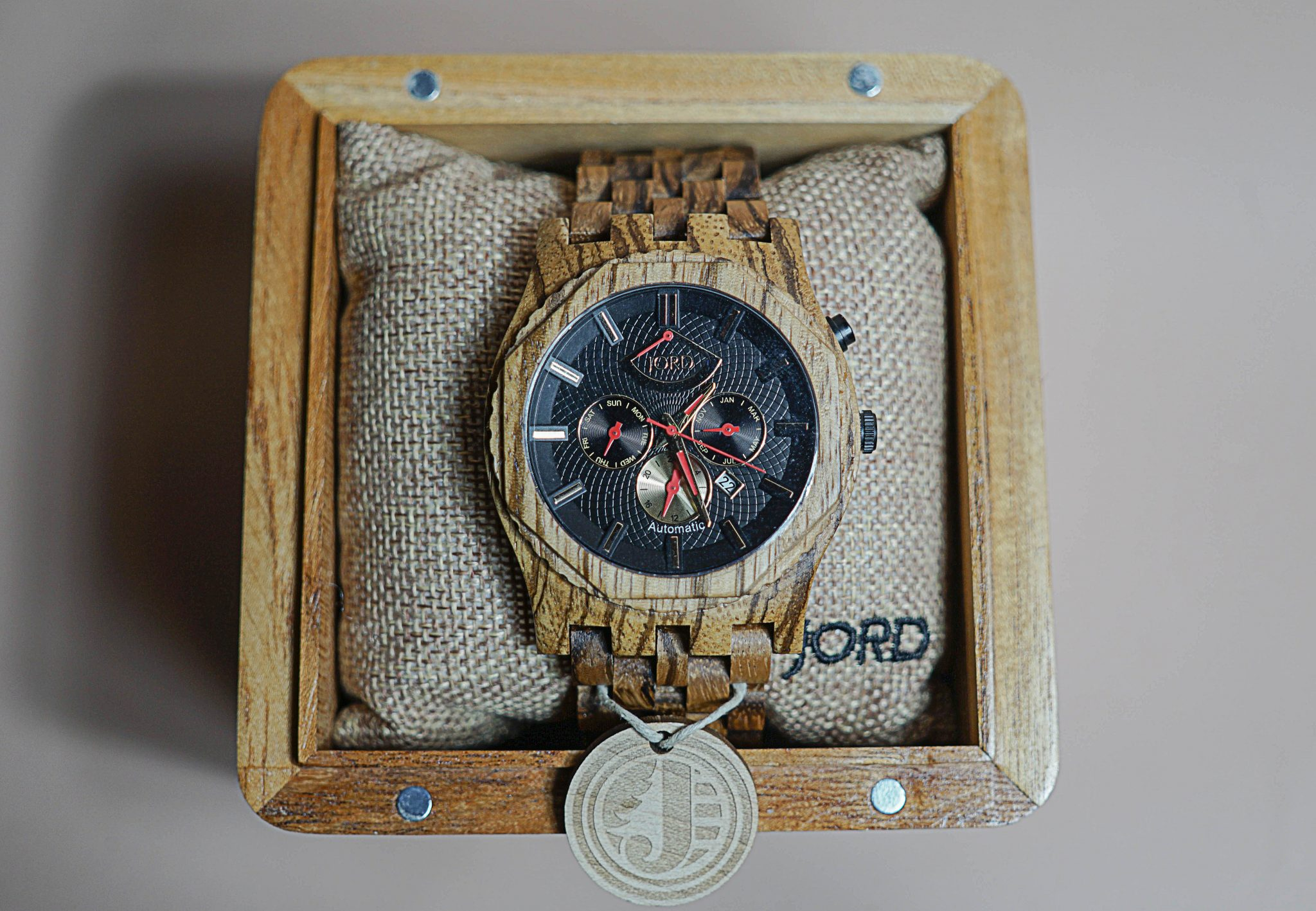dapper-advisor-jord-wood-watch-christmas-gift-guide-sawyer-series-obsidian-zebrawood-3