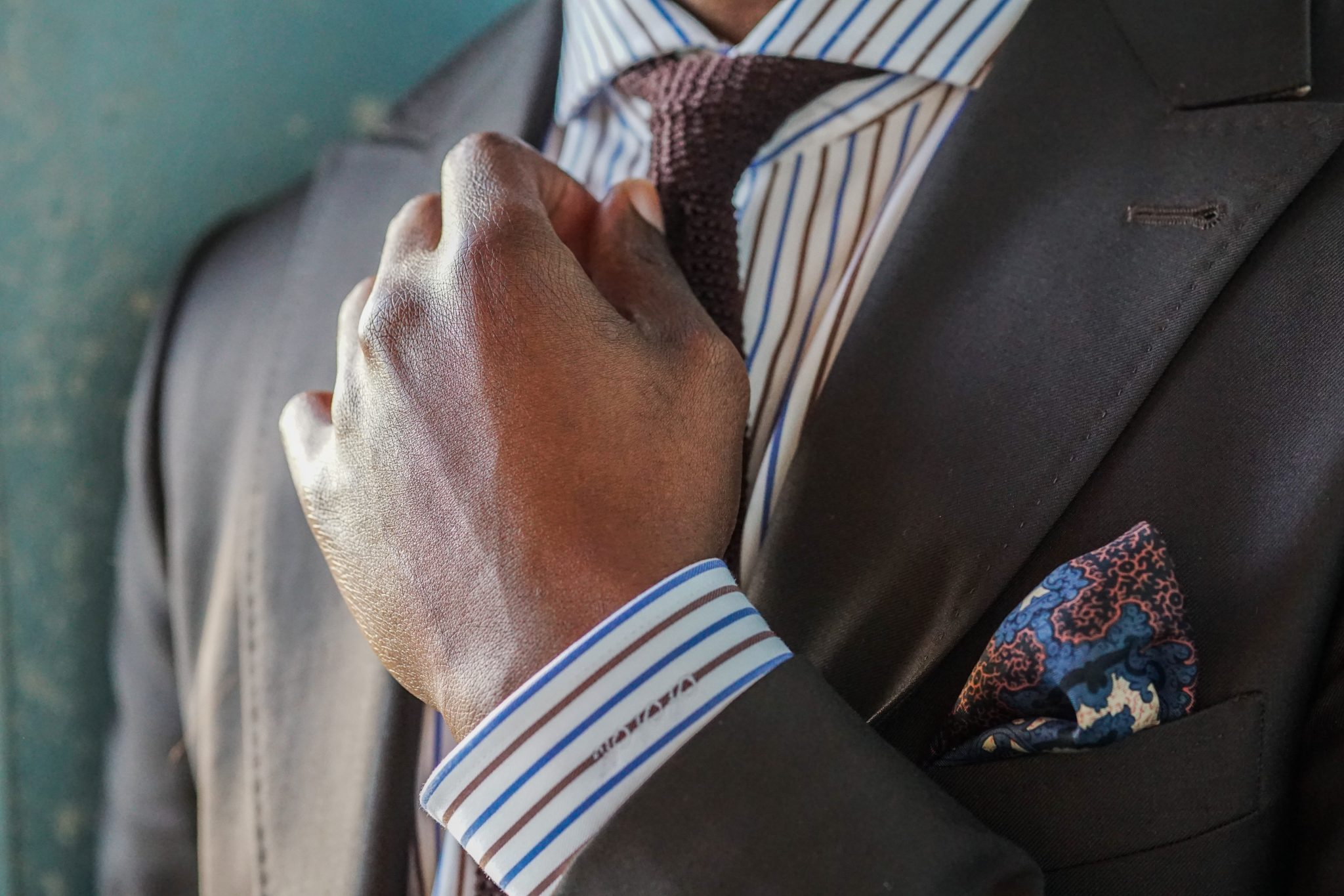 dapper-advisor-black-man-wearing-brown-suit-itailor-custom-shirt-silk-knit-tie-brown-tassel-loafers-1