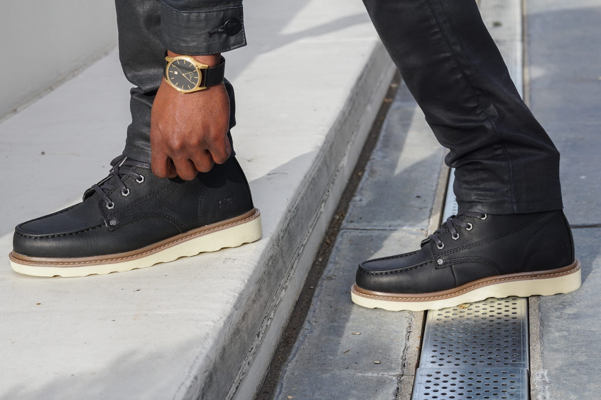 dapper-advisor-waxed denim-wax-clothing-waxed-denim-jeans-jacket-black-moc-toe-boots-5