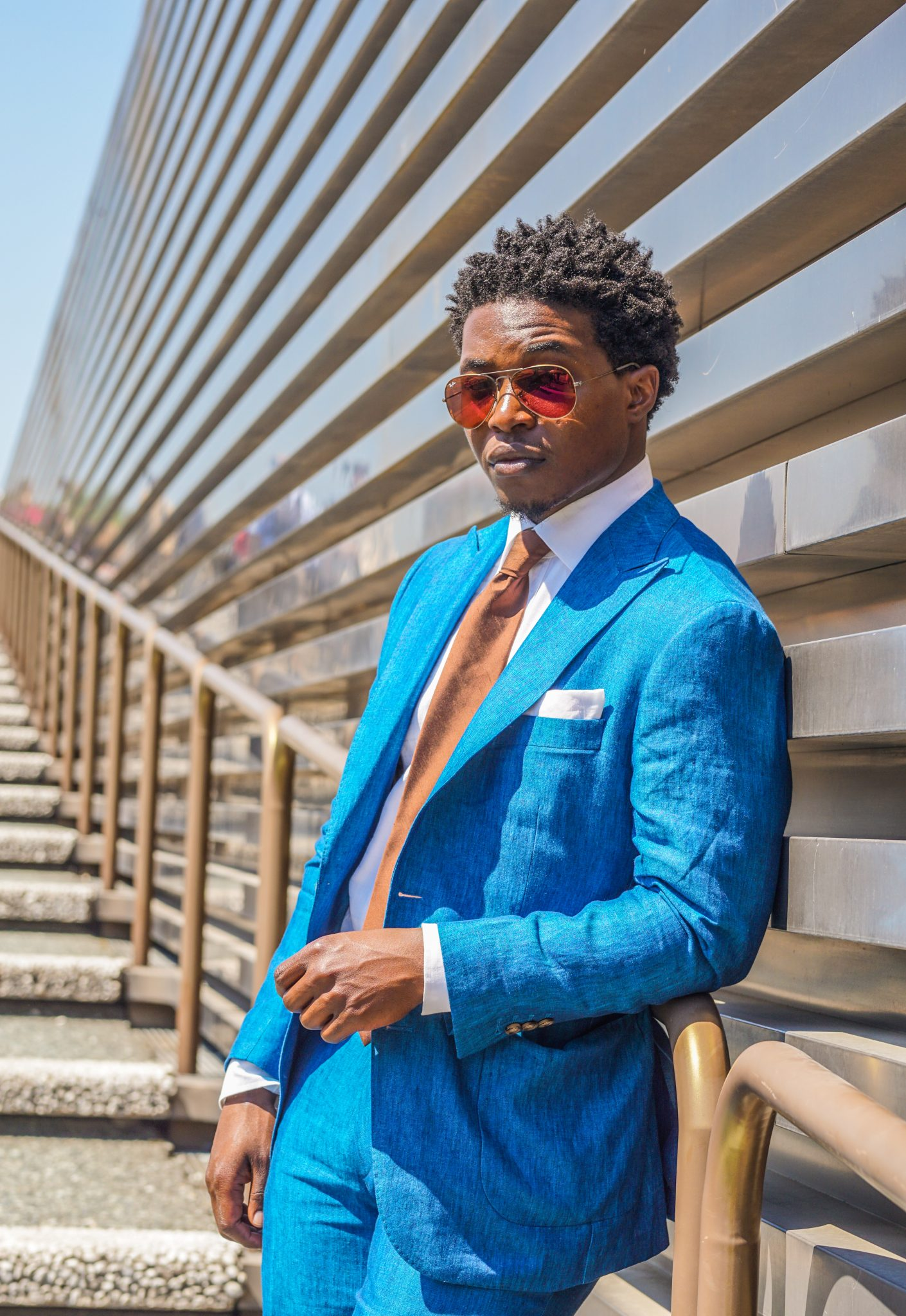 dapper advisor-pitti uomo 92-oliver wicks-teal linen suit-red ray ban sunglasses