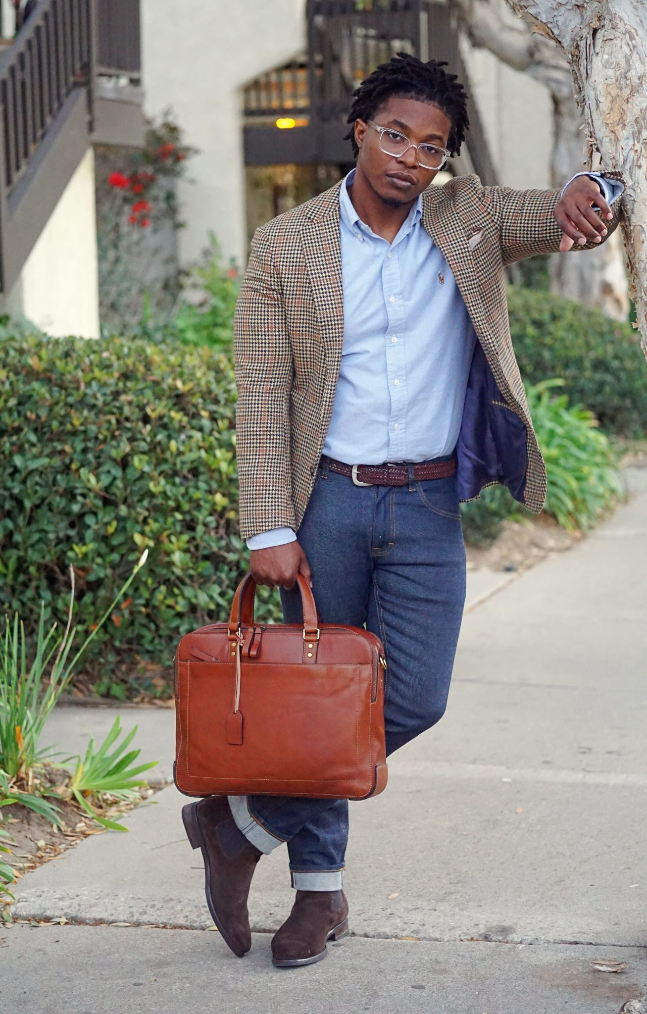 wearing-oxford-shirt-with-plaid-blazer-mens-fall-outfit-ideas