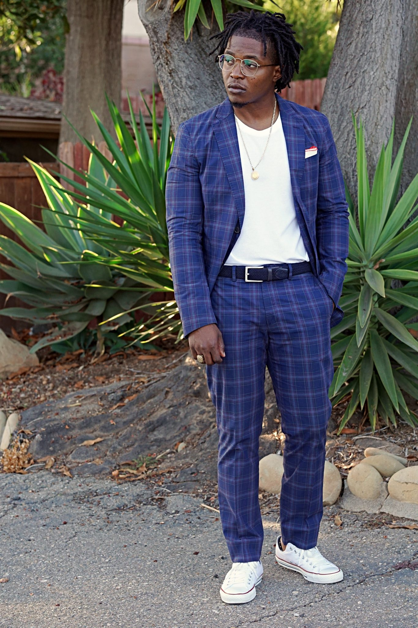 casually-tailored-date night-plaid-cotton-suit-white-converse-sneakers
