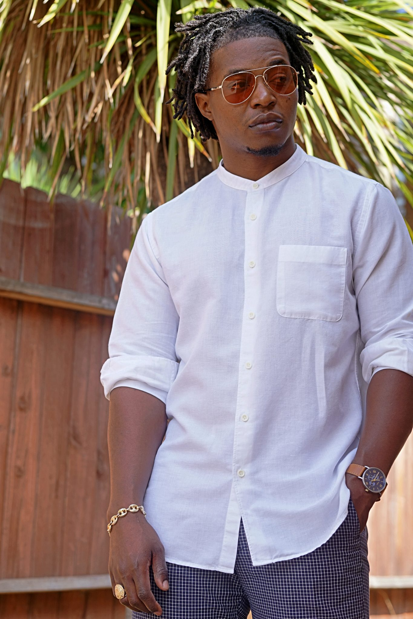 white-linen-band-collar-shirt-casual-summer-outfit-ideas