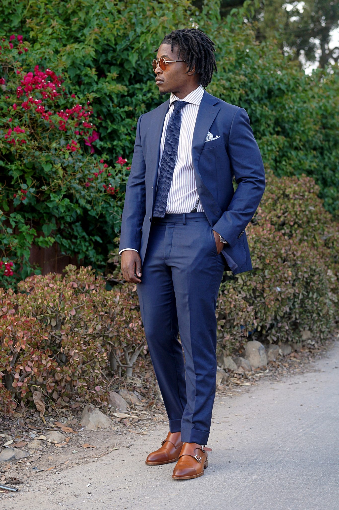 dapper advisor-navy blue suit outfit idea-business outfit idea-navy blue suit-suit supply suit-striped dress shirt-silk knit tie-black man with dreads